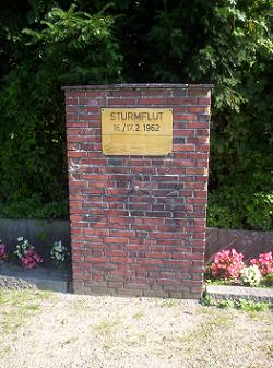 Flutmarke in Münsterdorf